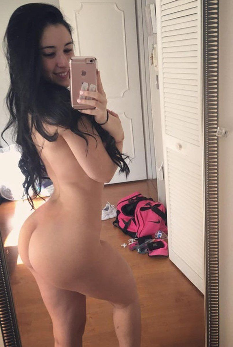 Angie Verona Nude Pics