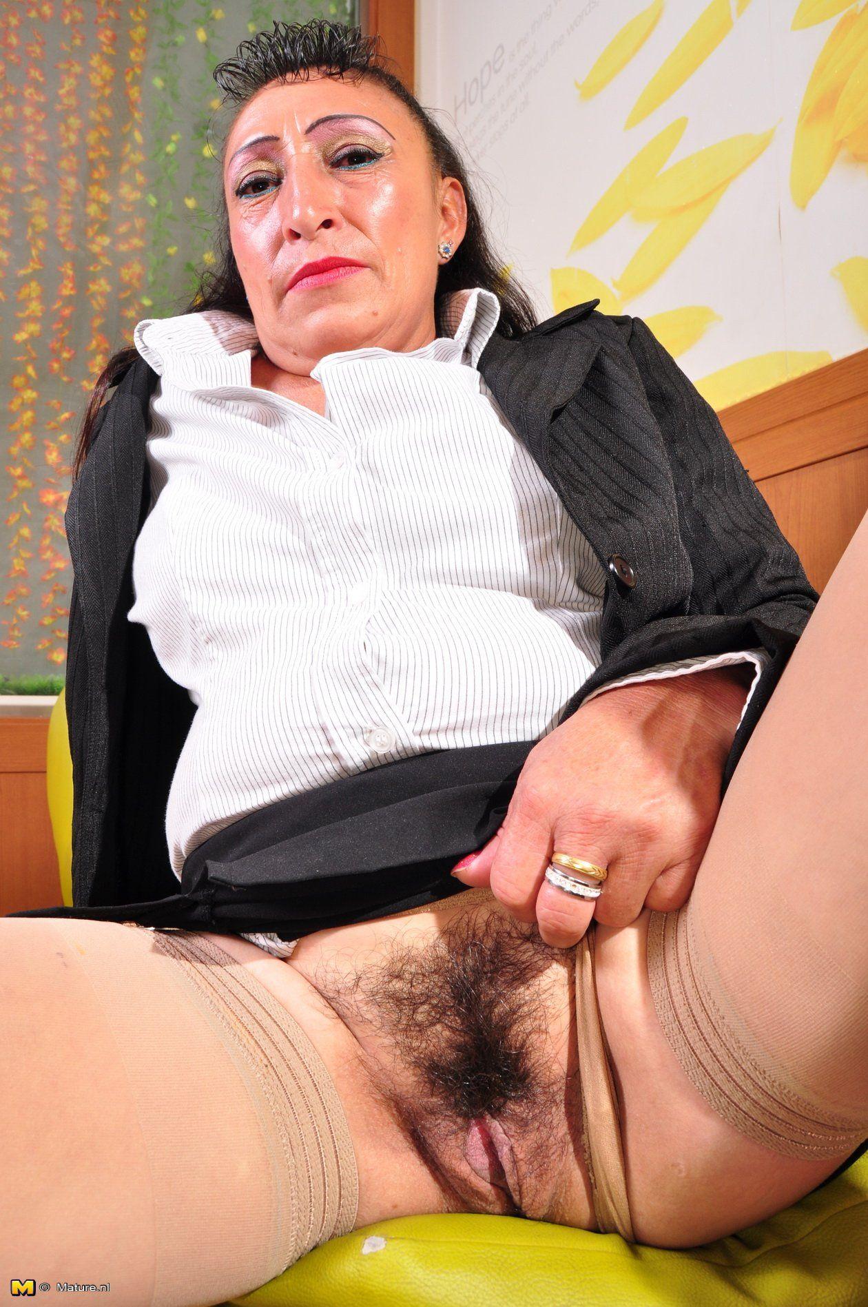 Alyssa milano nude scene video