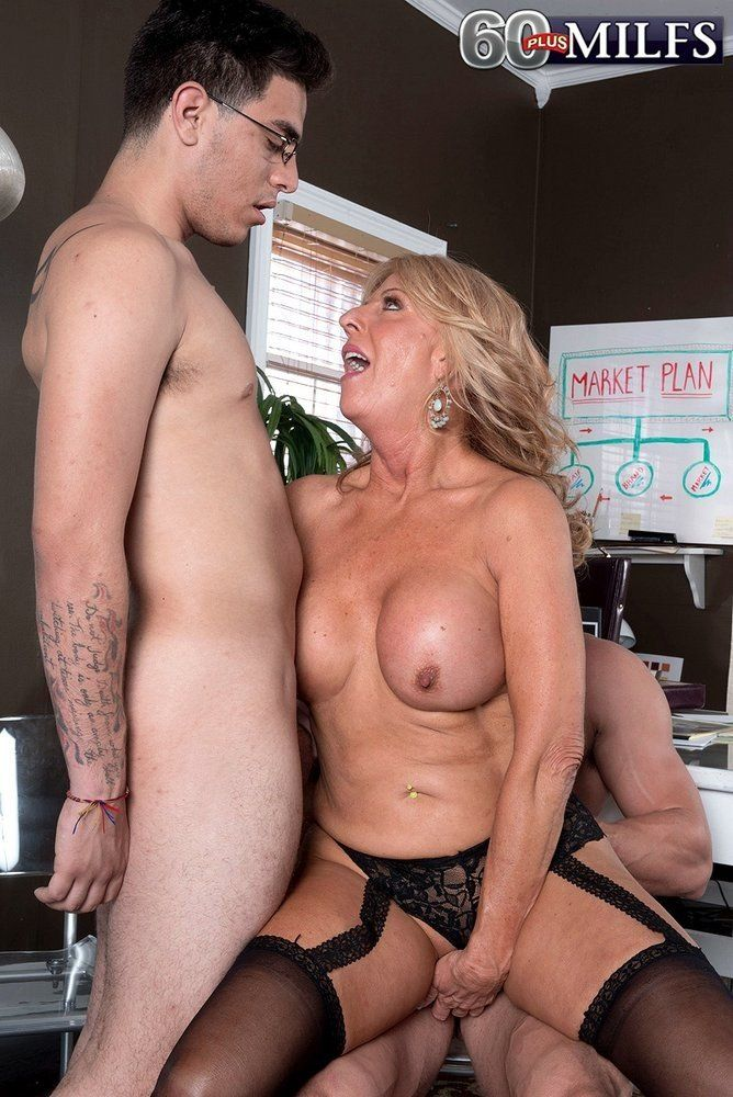 agree with gangbang woman blowjob penis and fuck possible and necessary discuss