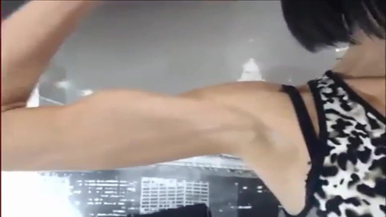 Vicious reccomend girl biceps veins