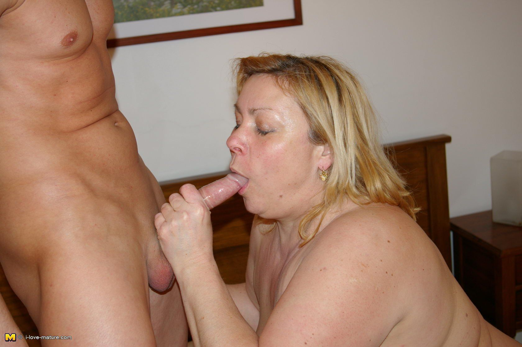 Hot Nude old woman giving blow job
