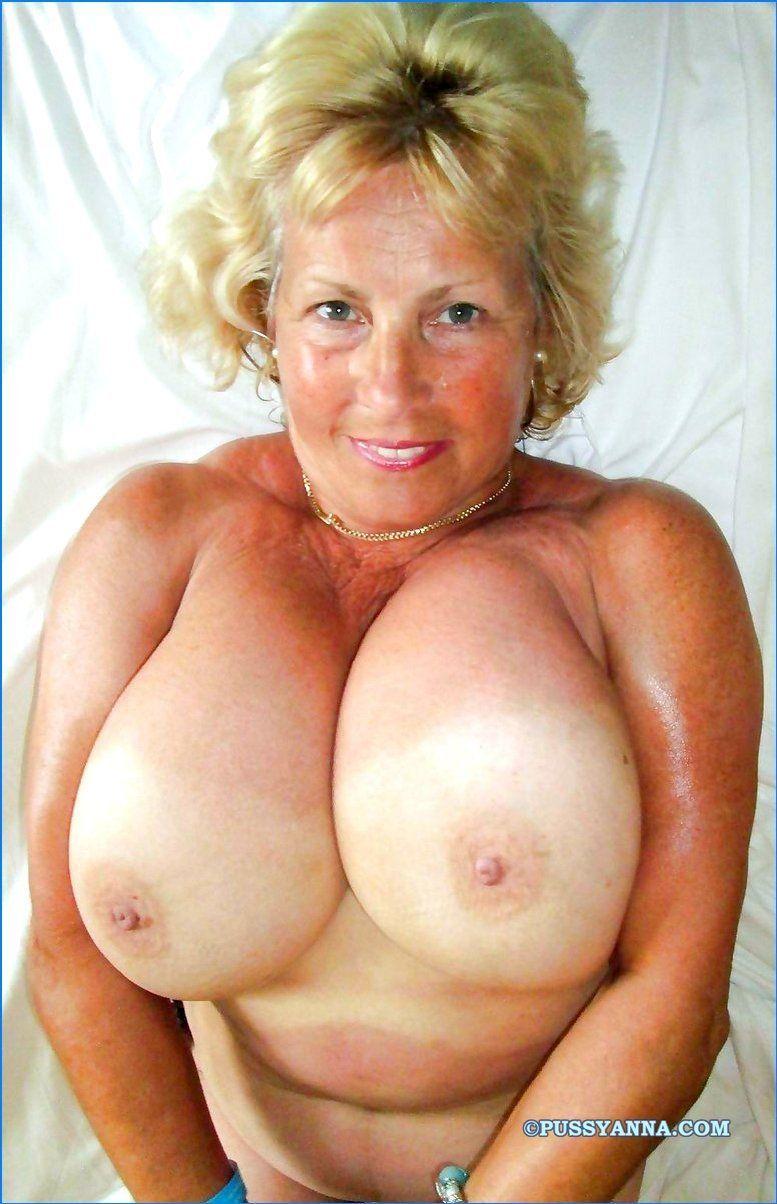 Sunny reccomend mom boobs