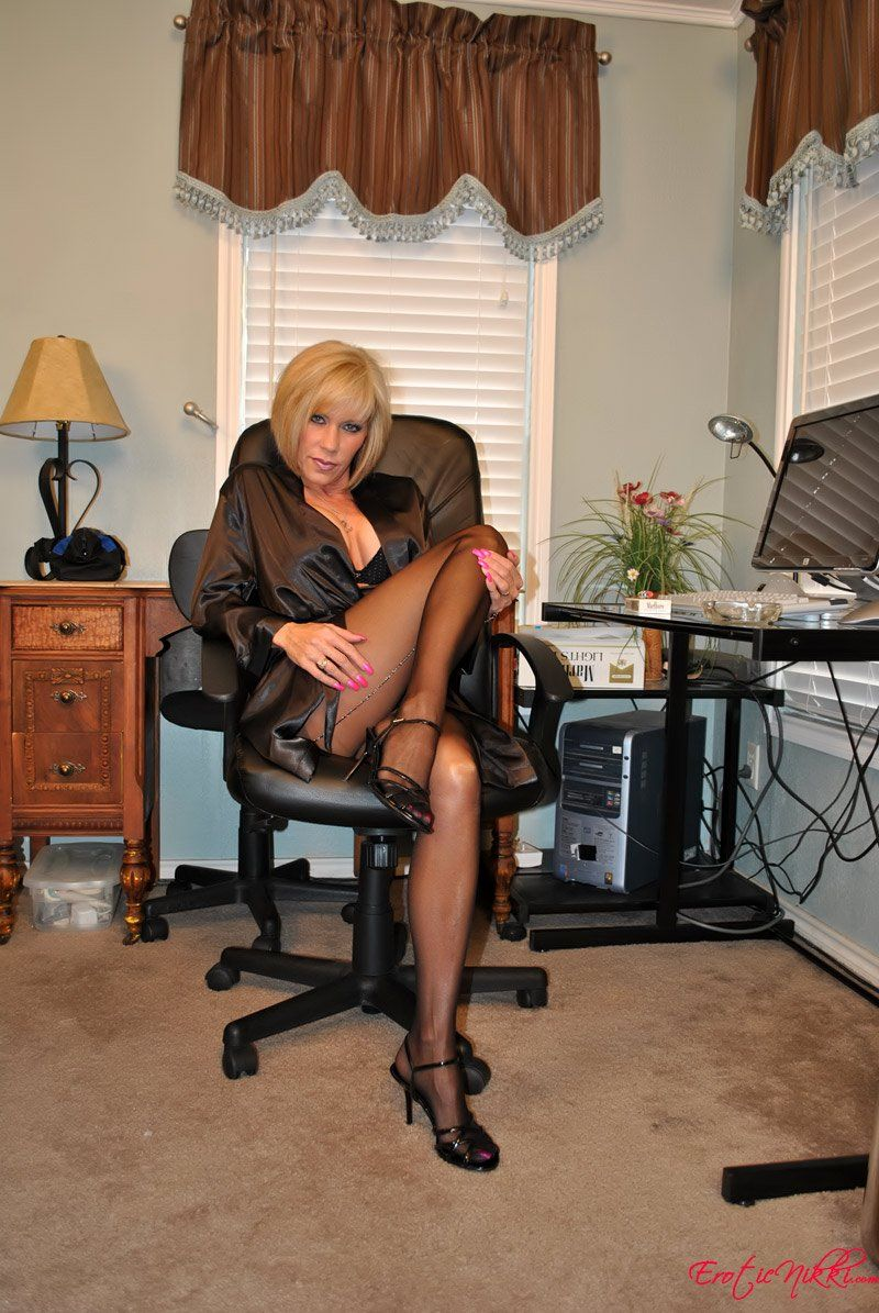 best of Pantyhose cougar