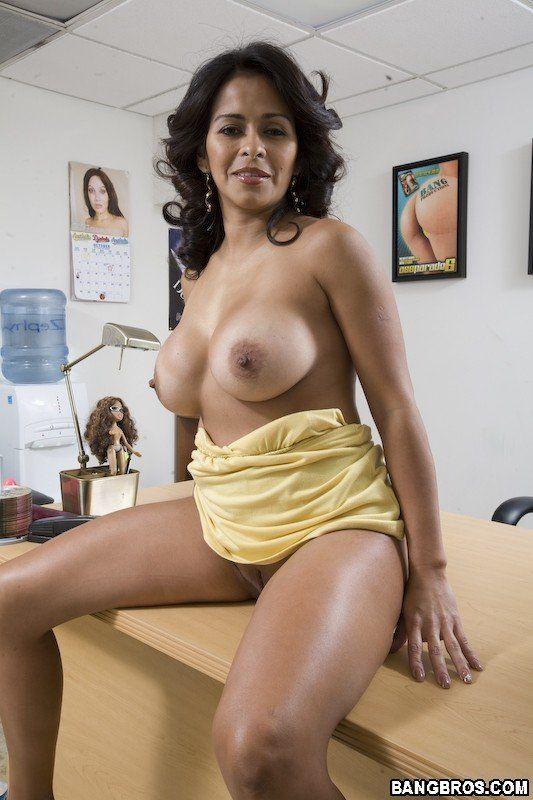 Mature hot latinas nude