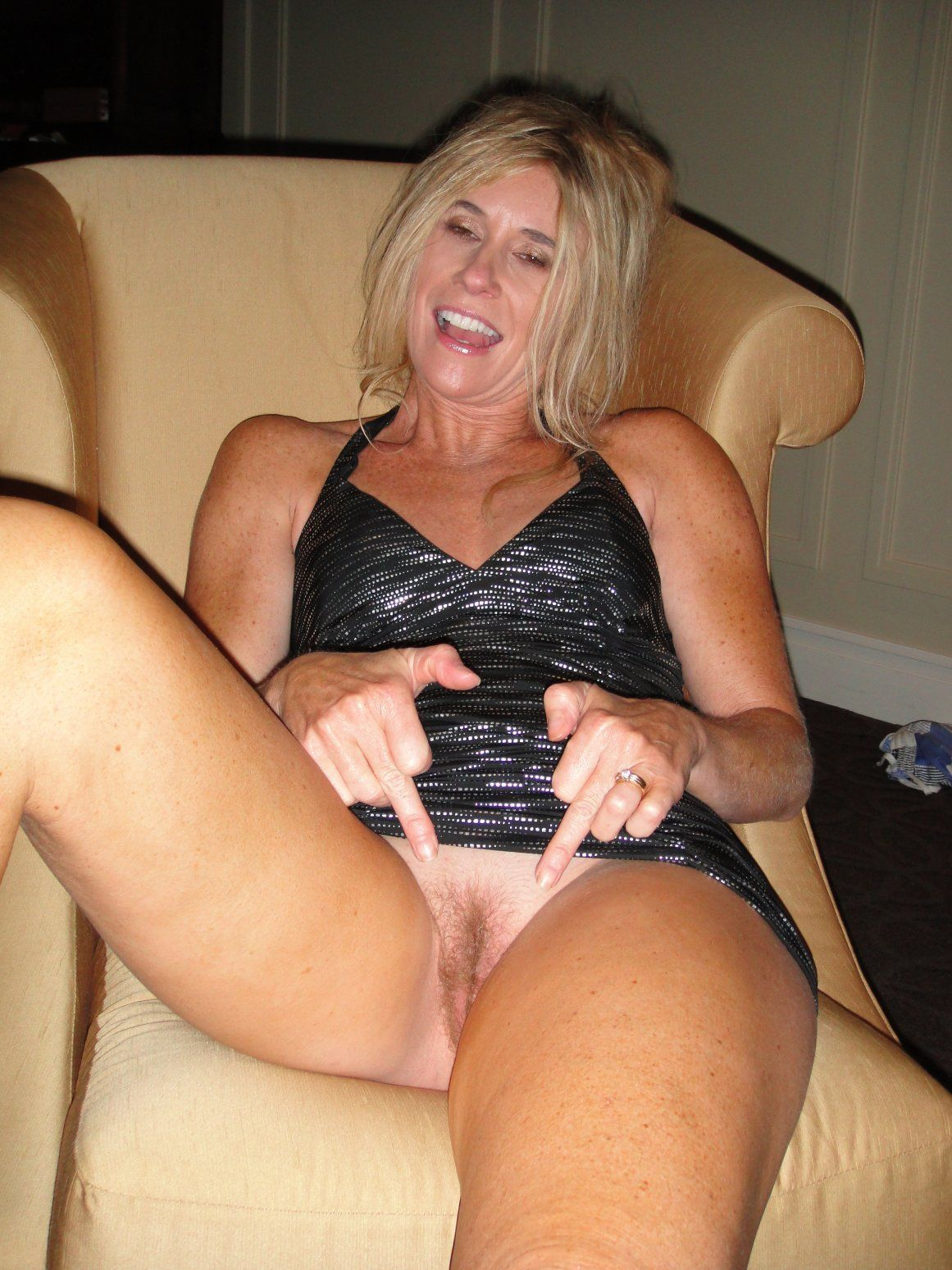 Uncle C. recommendet mature amateur blonde