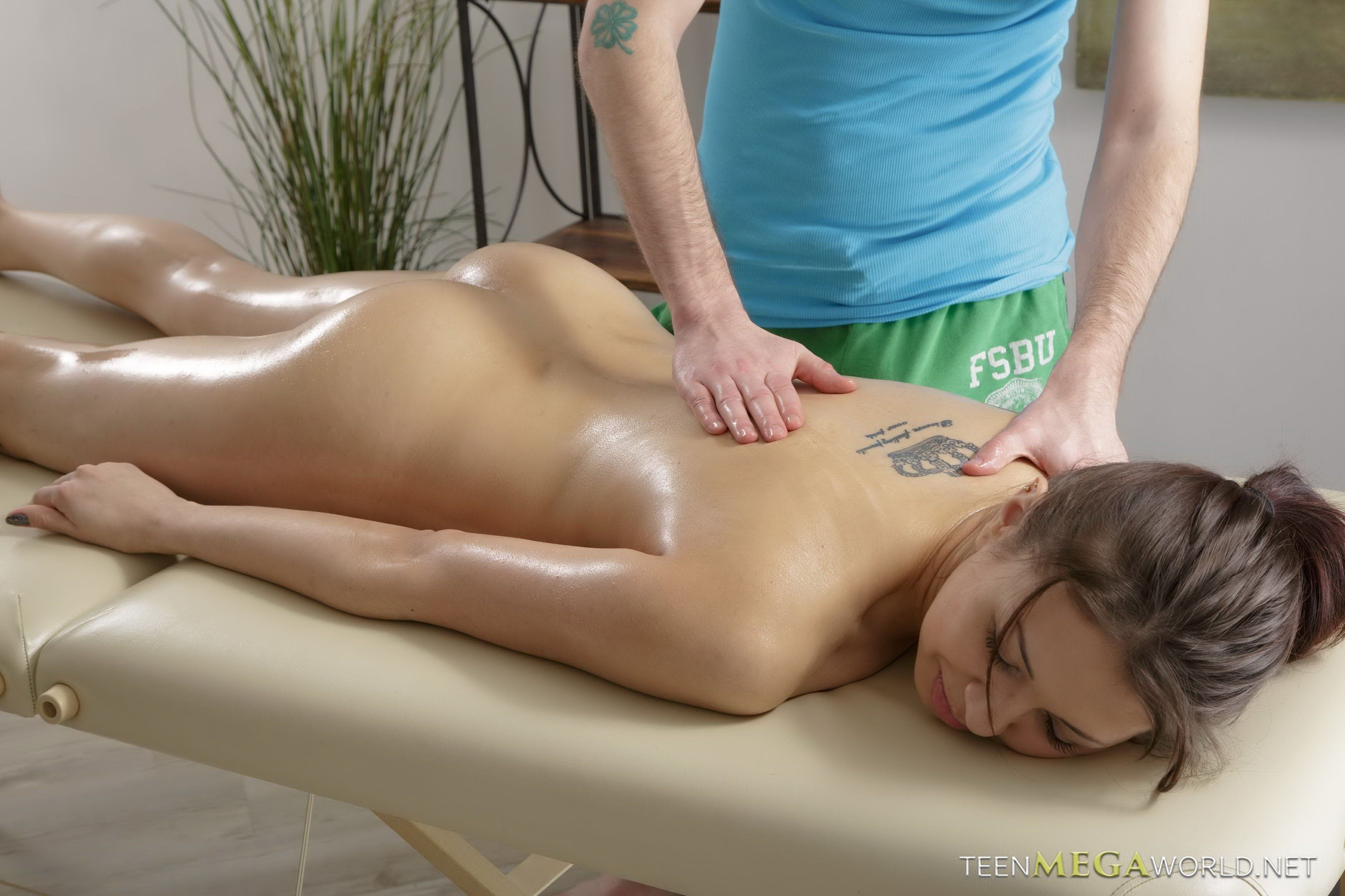 Animal Giving Guy Blowjob Porn boy giving girlfriend a sexy massage - pussy sex images
