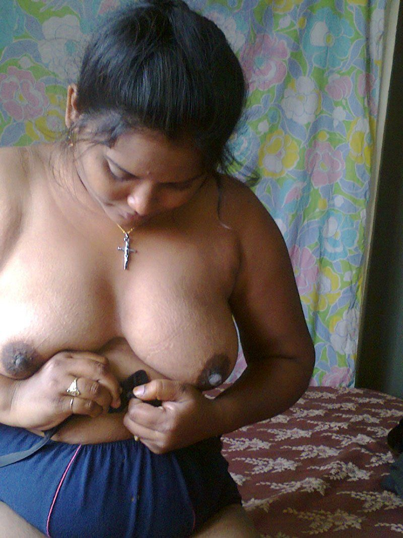 Indian gamla aunty sex   XXX photo