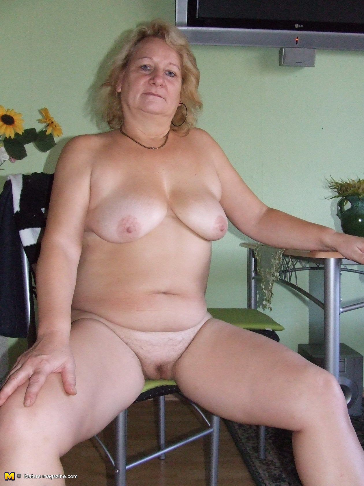 Old mature naked pics