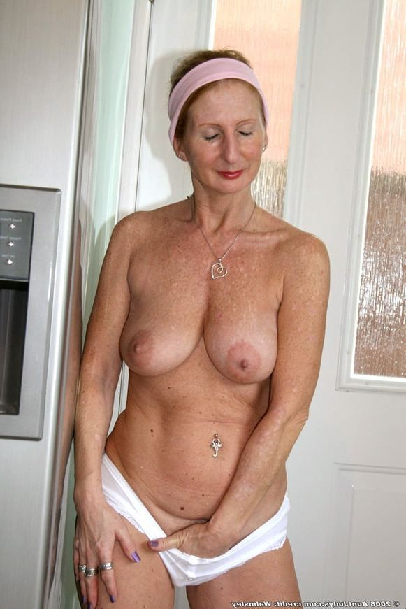 Adult gallery older women big boob nudes