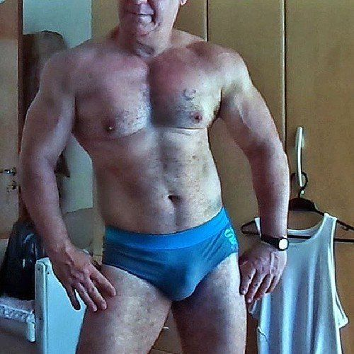 Big L. reccomend Mature hairy chests