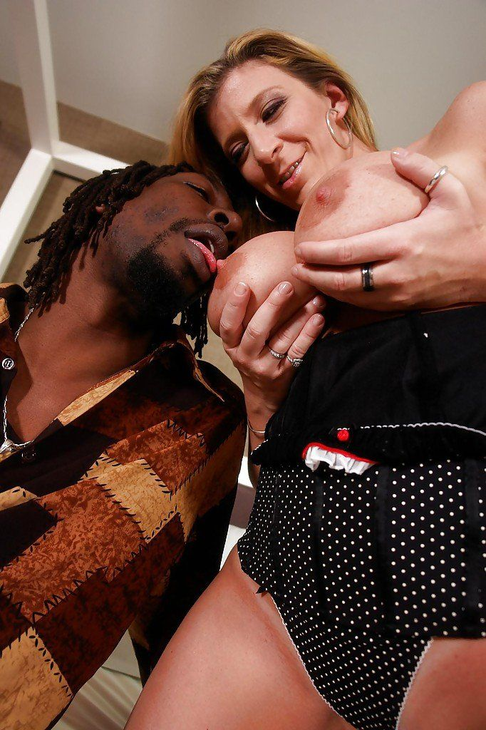 TUSHYRAW New In Town Teen Is Addicted To Gaping.