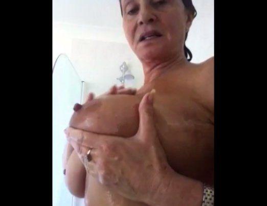 Grannies shows tits