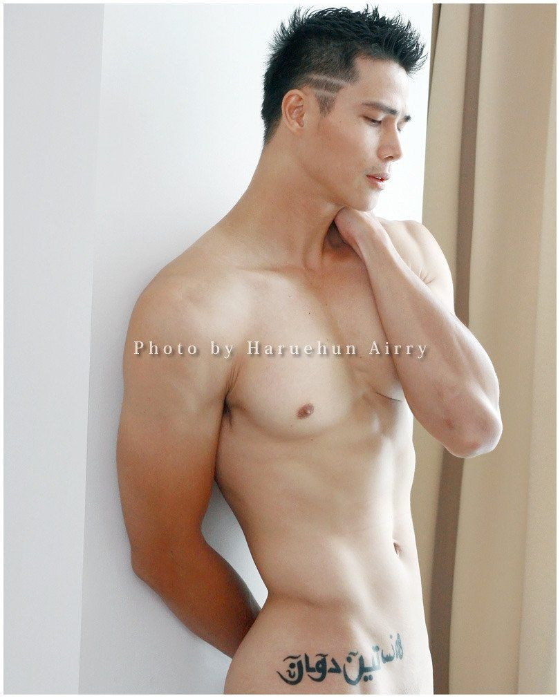 Sexy nude asian male models