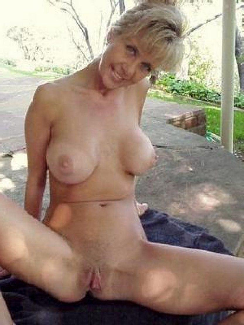 Nude Pregnant Outdoor Legs Spread Nasty Porn Pics amature naked older . new porn.