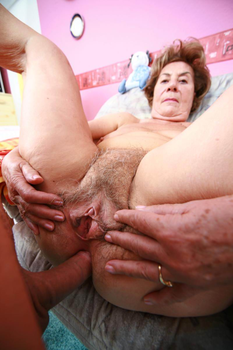 AMATEUREURO - Mature German Wife Gets Her Pussy Serviced