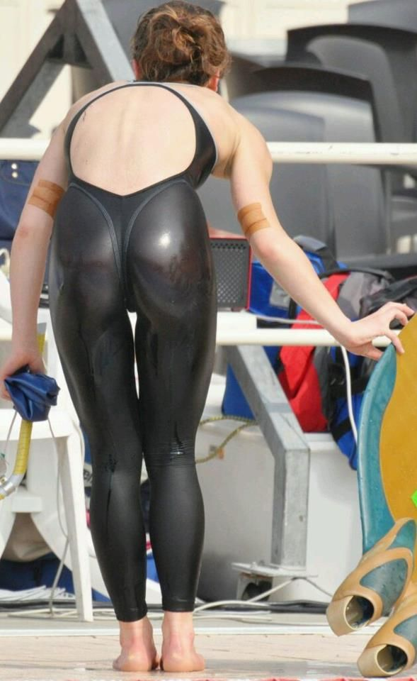 sexy naked anime girls in wetsuits
