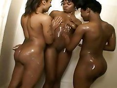 Note Girlsfuck Little Black Girls Naked In Shower