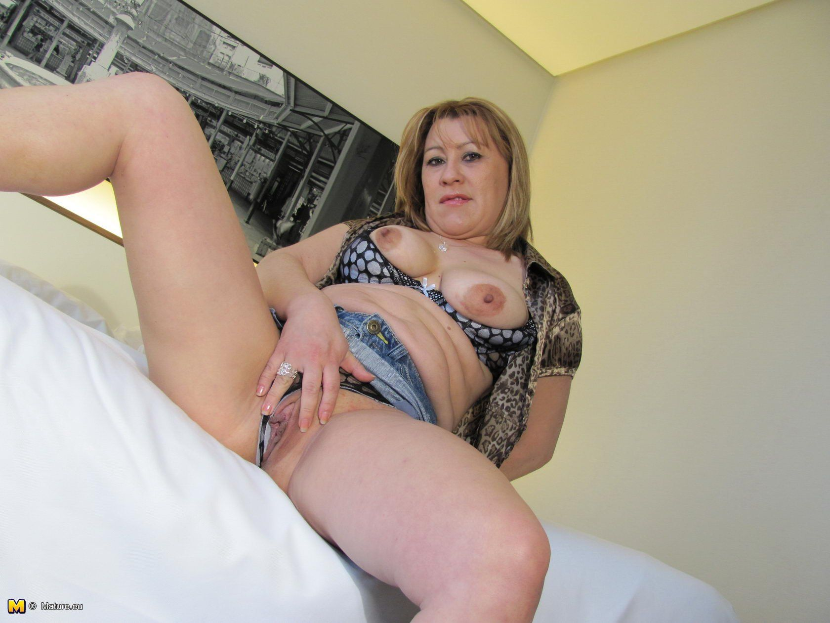 Think, playing pussy milf Mature with Seldom.. possible