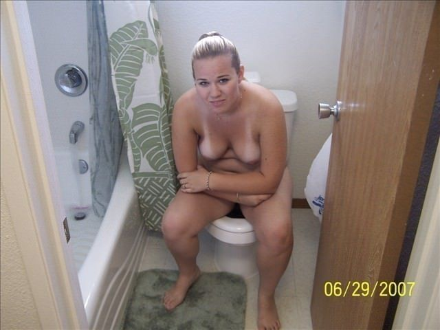Angry Sexy Chubby Girlfriend Caught Naked