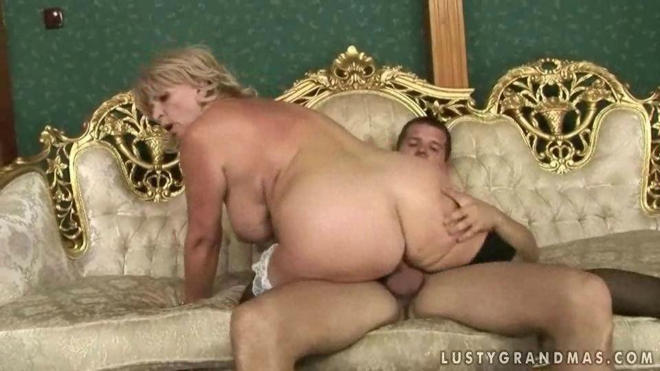 Slightly overweight nude girls