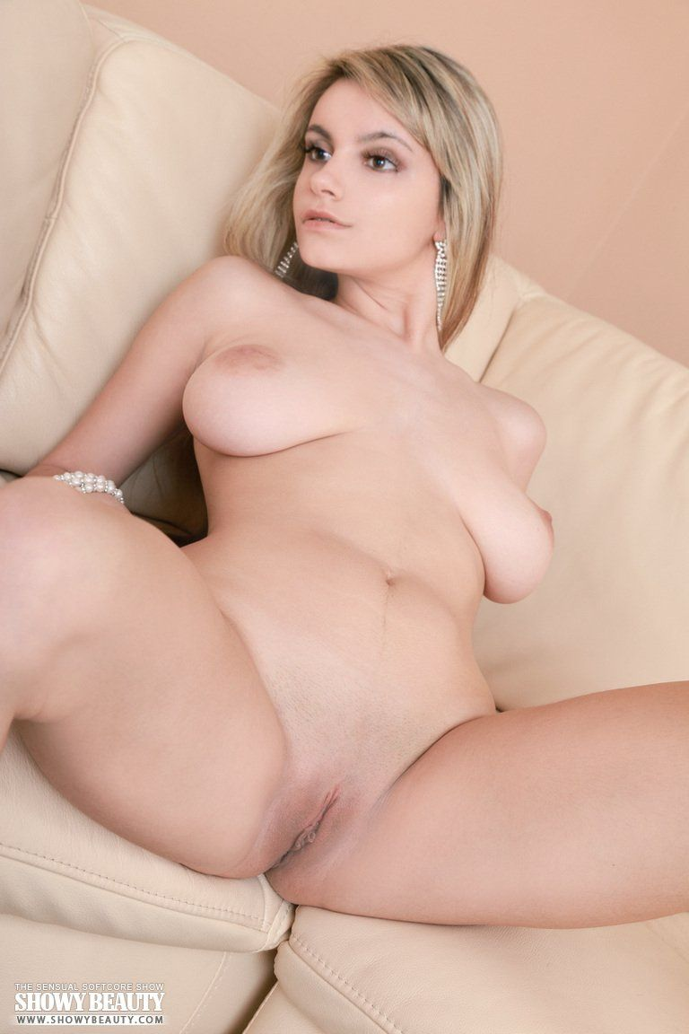 English nude sexy girl think