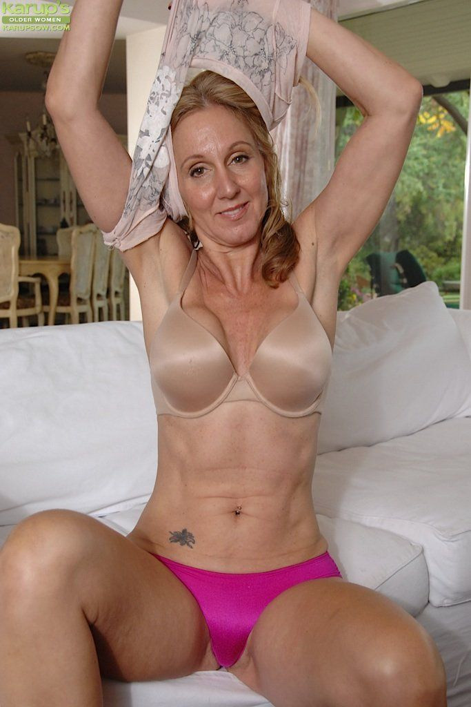 Naked selfies of mature women