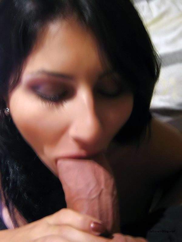 Shaved pussy kiss