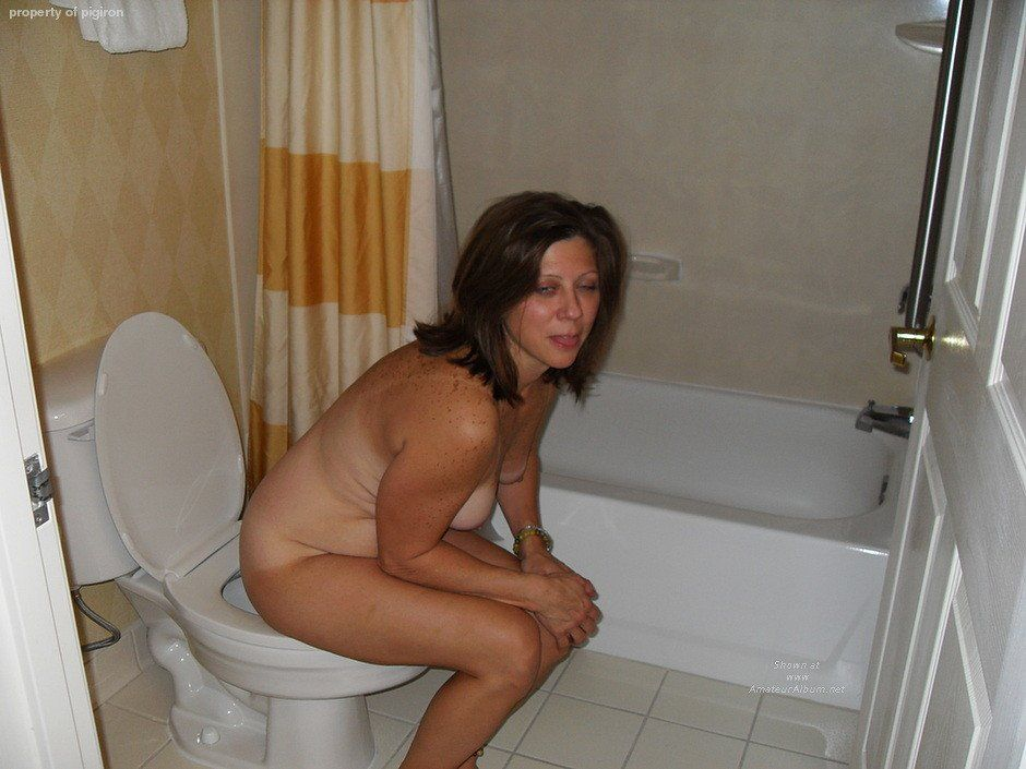 Agree, mature bathroom porn free video play can not