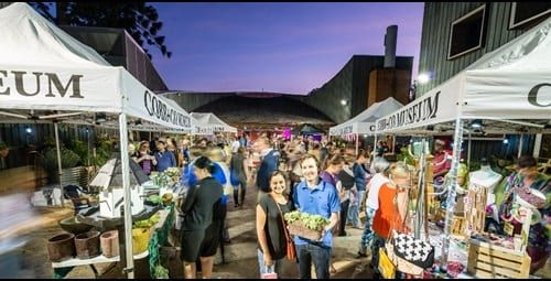 Tailgate reccomend Things to do in toowoomba at night