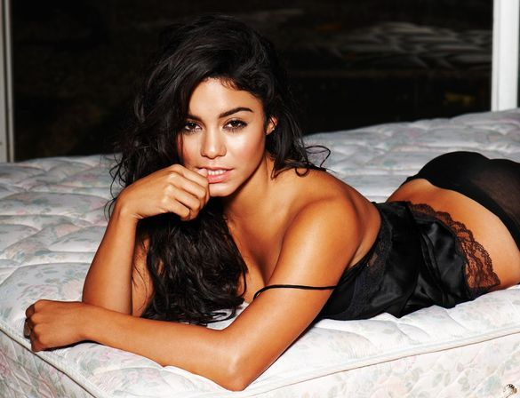 vanessa hudgens gets naked uncensored strip